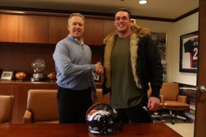 Broncos give Derek Wolfe a four year contract extension