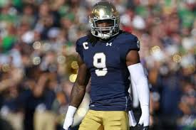 Is Jaylon Smith's knee still having problems?