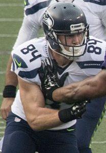 Seahawks tendered tight end Cooper Helfet