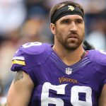 #Vikings signed Jared Allen to a one day contract so he could retire in Purple and Gold