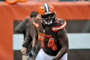 Browns coach is not very happy with Cam Erving's snapping skills