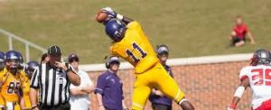 Wykeyhe Walker is a playmaker for Mary Hardin Baylor