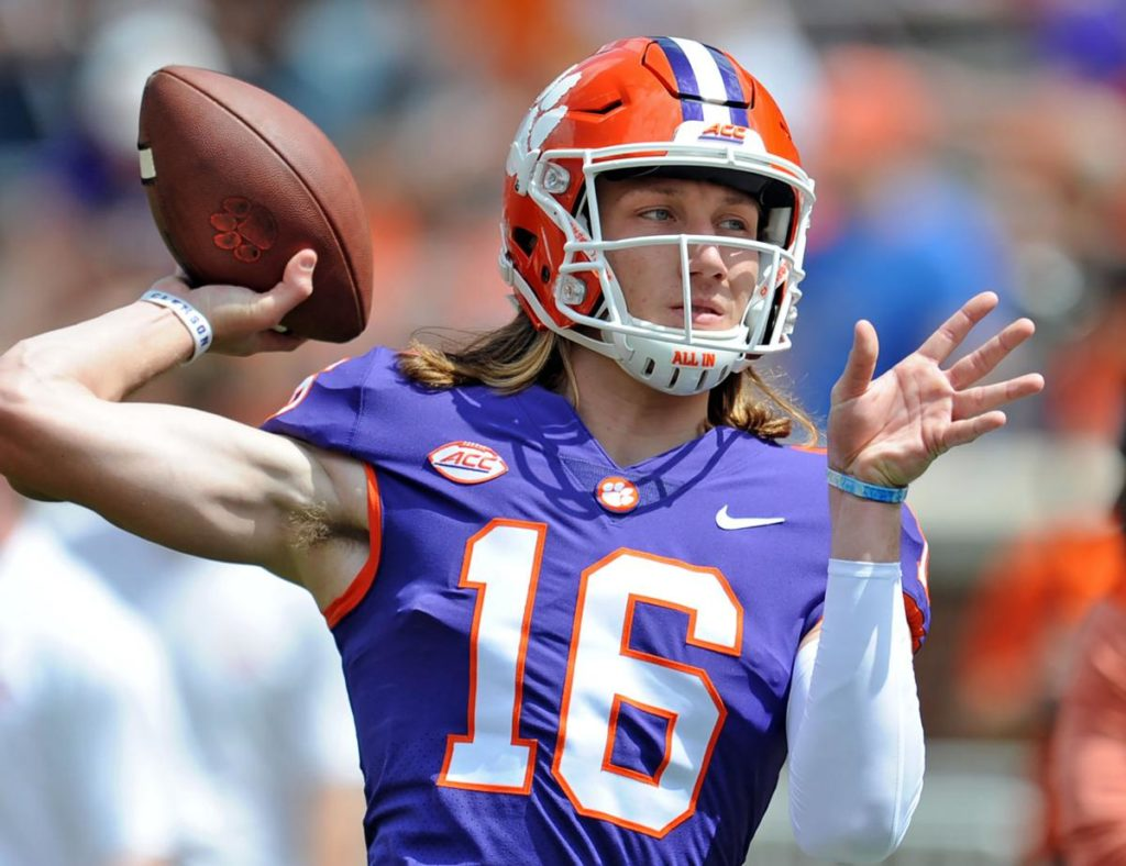 Clemson Pictures Qb Football: Clemson
