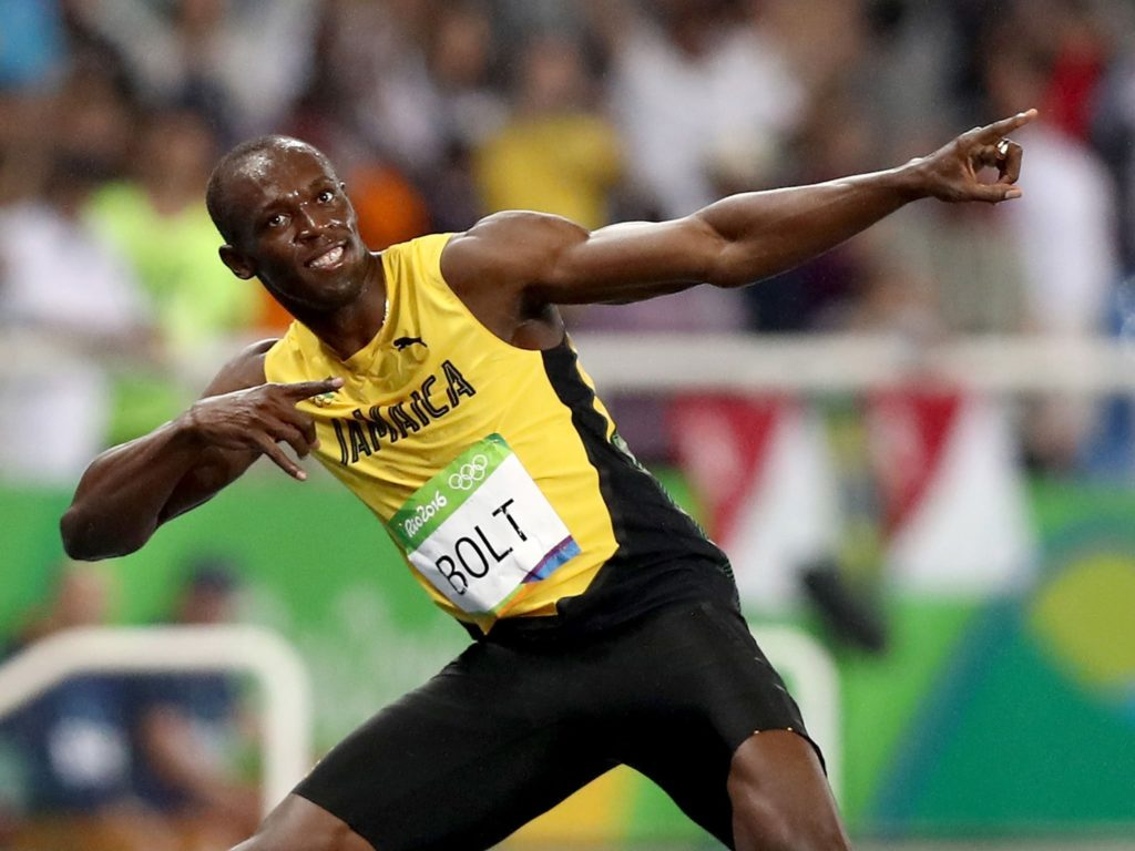 Usain Bolt runs a 4.22 forty at the Super Bowl (Video)