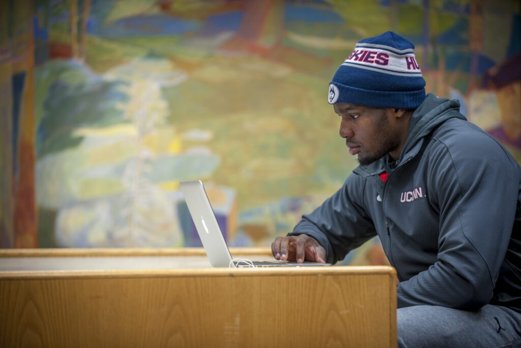 HOW WRITING SKILLS CAN BE USEFUL FOR SPORTS STUDENTS.