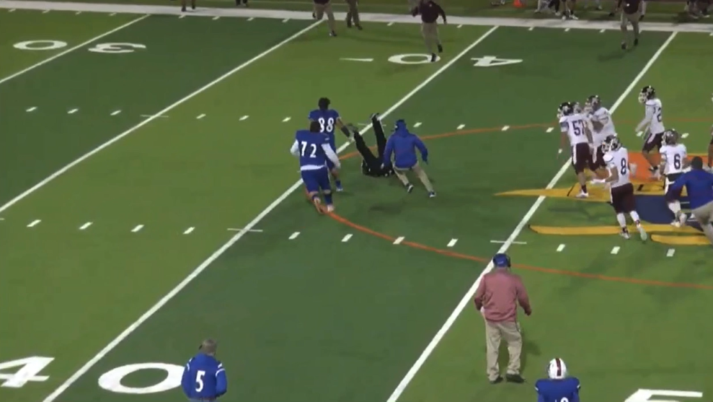 Texas high school football player gets ejected, body slams referee