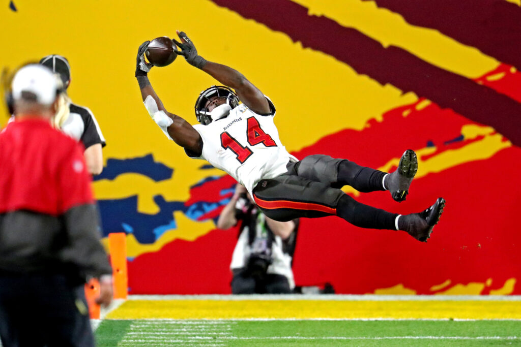 Chris Godwin is one of the best pass catchers in the NFL. He is quickly turned into a very reliable target for Tom Brady and the Buccaneers.