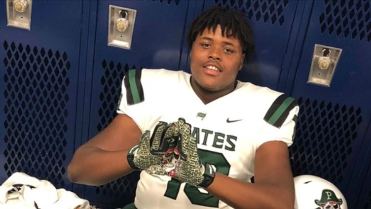 Prep-School Football player JauMarcus McFarland tragically dies in a freak elevator accident at the age of 18